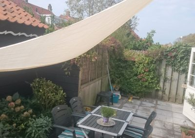 Surf-in terras met tarp