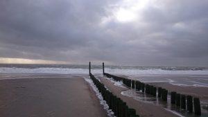Golfbrekers en storm | Duinweg33 Vakantieverhuur